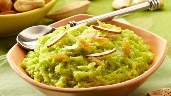 लौकी का हलवा बनाने में असान खाने में स्वादिष्ट Lauki ka Halwa