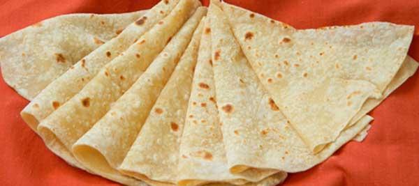 घर पर ही बनाकर खिलाएं मेहमानों को रुमाली रोटी Rumali Roti Recipe