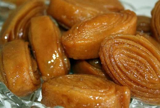 मैदे के मीठे पेठे – Sweet flour Petha