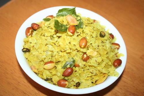 सन्डे स्पेशल में बनाएं रोस्टेड पोहा नमकीन Poha Namkeen Recipe in Hindi
