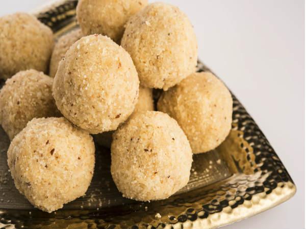 बड़े ही टेस्टी व स्वाद से भरपूर होते हैं सत्तू के लडडू Sattu Recipe in Hindi