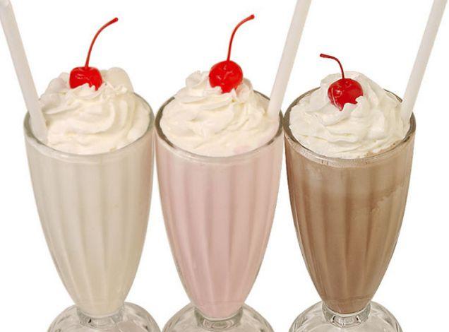 झटपट बनाएं वनीला मिल्क शेक – Vanilla Milkshakes
