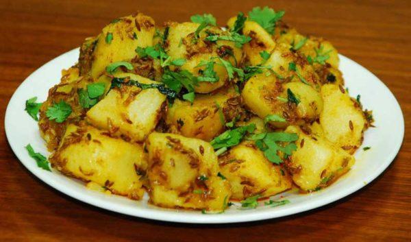 5 मिनट में बनाएं ज़ीरा आलू रेसिपी – indian cumin potatoes recipe