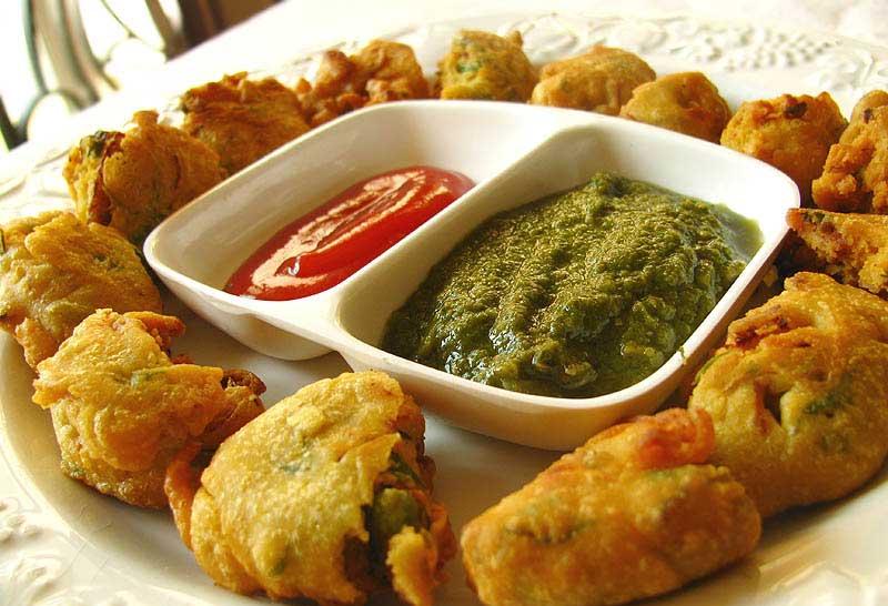 बनाएं फूलगोभी के स्वादिष्ट पकौड़े Cauliflower Pakoda Recipe in Hindi