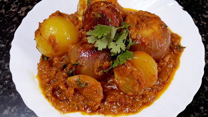 साबुत प्याज़ की चटपटी व तीखी सब्जी Pyaaz Ki Sabzi