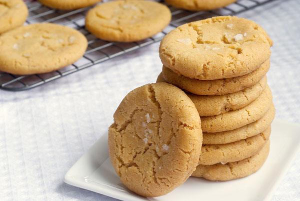 घर पर बनाएं ब्राउन बटर शुगर कुकीज – brown sugar cookies butter baking