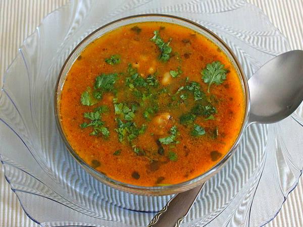 बिरयानी का मज़ा बढ़ाएं, साथ में बनाए ये स्वादिष्ट शोरबा Shorba Recipe
