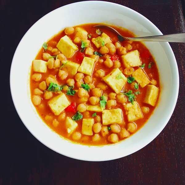 बनाएं स्वादिष्ट छोले पनीर करी – Chole Paneer Curry Recipe