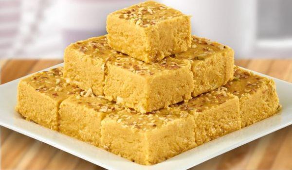 बनाएं स्वादिष्ट बेसन की बर्फी – besan barfi banane ka tarika