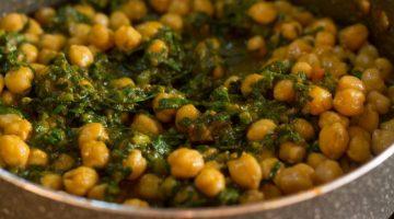 स्वादिष्ट पालक छोले करी – chole palak punjabi recipe