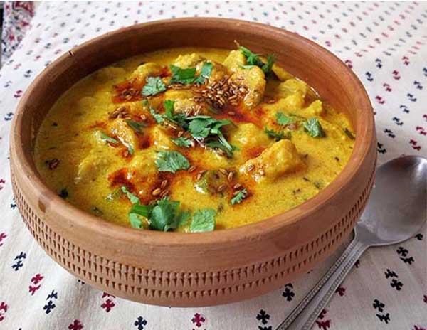आटे की सब्ज़ी बनाने की रेसिपी – Rajashani Shakki ki Sabji Recipe