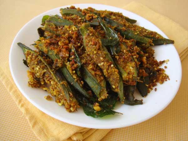 इतनी स्वादिष्ट भरवां भिन्डी आपने पहले कभी नहीं खाई होगी – stuffed bhindi recipes