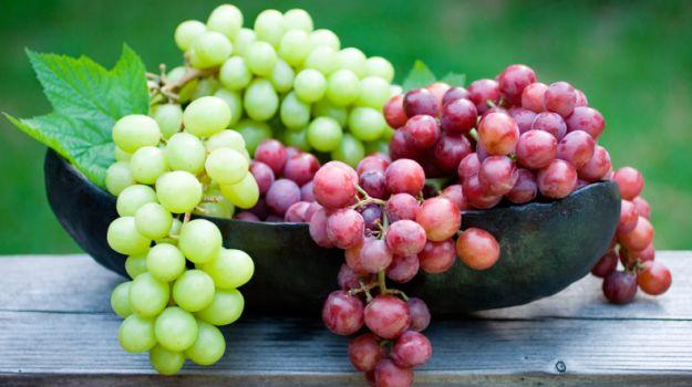 क्या आप अंगूर खाने के इन फायदो के बारे में जानते हैं? angoor khane ke fayde