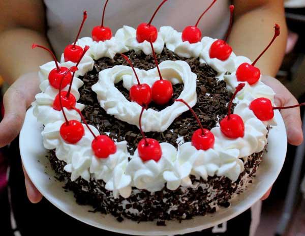 केक खाने के शौकीन और बजट से परेशान ट्राई करें ये रेसिपी
