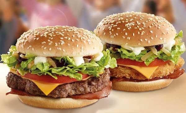 घर पर बनाएं स्वादिष्ट चिकन बर्गर इस आसान रेसिपी से