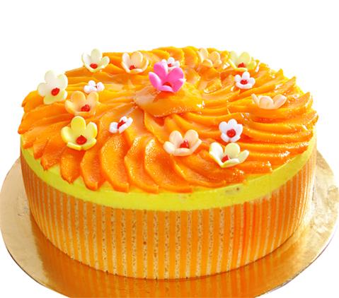 गर्मियों को करें खूब एंजॉए, घर पर बनाएं यम्मी यम्मी मैंगो केक