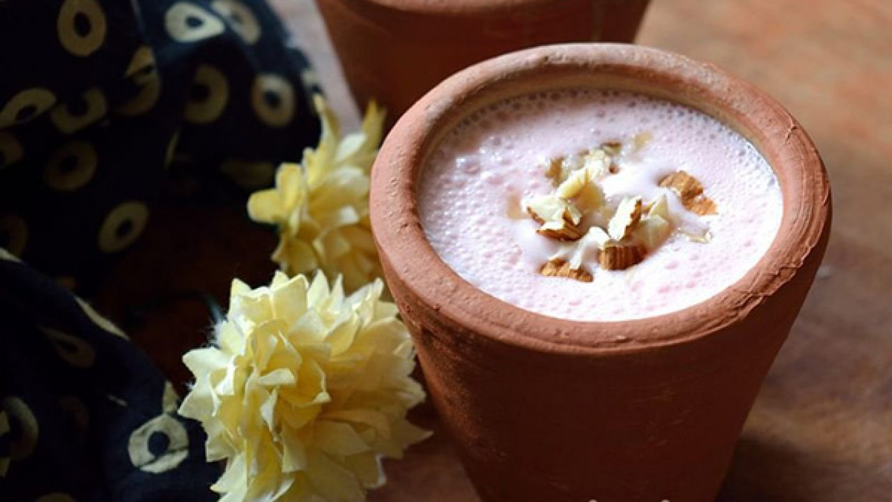 Have You Tried This Thick Velvety Sweet Kulhad Lassi In Lajpat Nagar Yet?