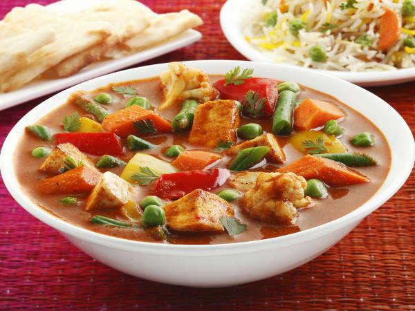 स्वाद में बेस्ट वेज कोल्हापुरी रेसिपी – Veg Kolhapuri Recipe