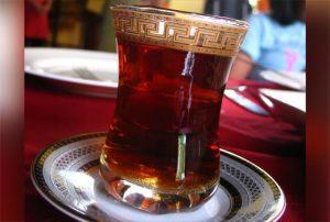 काली मिर्च की चाय पियें सिर दर्द और घुटनों का दर्द हो जायेगा छूमंतर