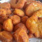 झट से बनाएं स्वादिष्ट सूजी के गुलगुले – How To Make Rava Gulgule