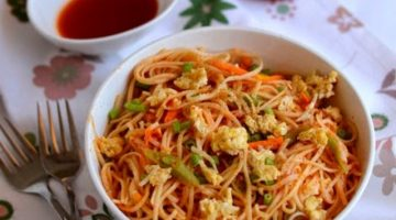 इस बार मैगी में डाले एक नया ट्विस्ट बनाए अंडा मैगी Egg Noodle Recipes