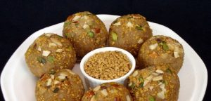 methi ke laddu recipe