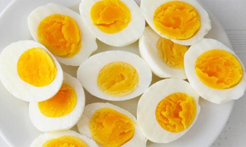 क्या आपको पता है अंडा उबालने का ये परफेक्ट तरीका? Boiling Eggs Tips Tricks