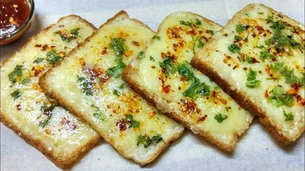 बच्चों के टिफिन के लिए बनाएं चीज़ ब्रेड, डिब्बा खाली ना लेकर आए तो कहना