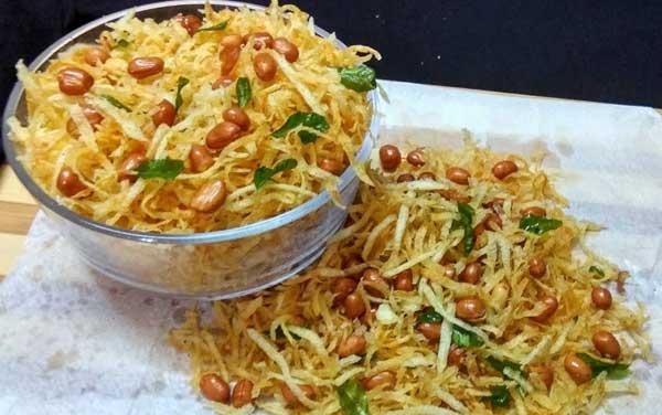शाम की चाय पर झटपट बनाएं क्रिस्पी व मजेदार आलू लच्छा नमकीन Potato Lachha Namkeen