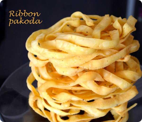 शाम की चाय के साथ बनाकर खाएं मजेदार रिबन पकौड़ा Ribbon Pakoda Recipe in Hindi