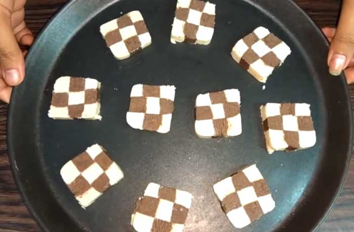 Checkerboard Cookies in plet