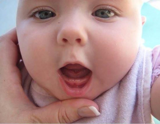 baby teeth pain