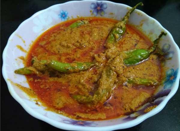 जबरदस्त स्वाद के साथ बनाएं हैदराबादी मिर्ची का सालन Hyderabadi Mirchi Ka Salan Recipe