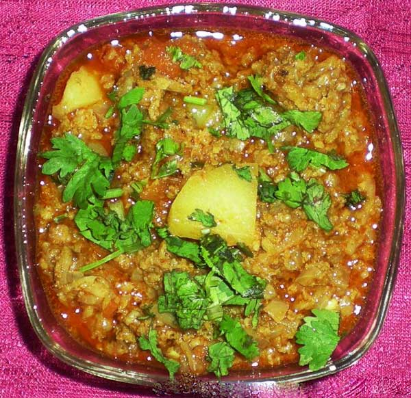 chicken aloo keema