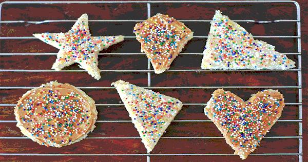 ऐसे बनाते हैं स्प्रिंकल्स फेरी ब्रेड Fairy Bread Recipe