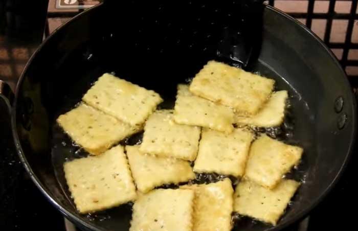 mix mathri recipe
