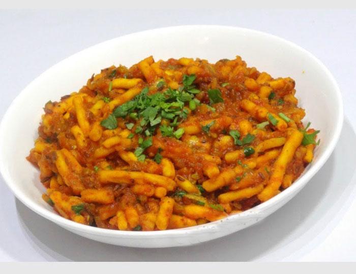 how to makeSev Tomato Ki Sabji