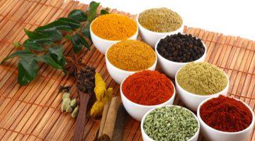 बारिश में भी नहीं आएगी नमी, मसालों को लम्बे समय तक स्टोर करने के बेस्ट उपाय Best Tips to Store Spices for a Longer Time
