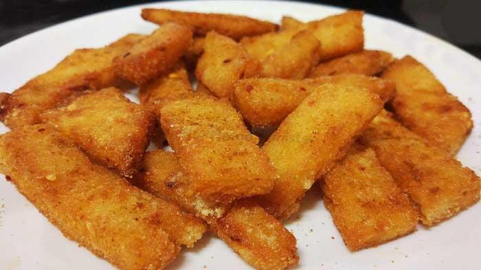 सूजी का इतना कुरकुरा व इज़ी नाश्ता, बच्चो के टिफ़िन या सफर के लिए बनाएं Aloo Suji Bites