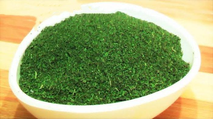 मिनटों में बनाएं साल भर चलाएं हरा धनिया पाउडर Fresh Coriander Powder