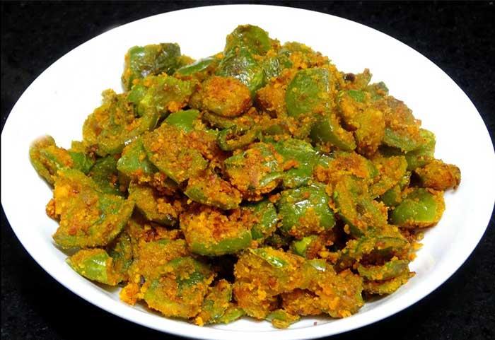 बेसन वाली सूखी शिमला मिर्च की मज़ेदार रेसिपी Besan Shimla Mirch Recipe