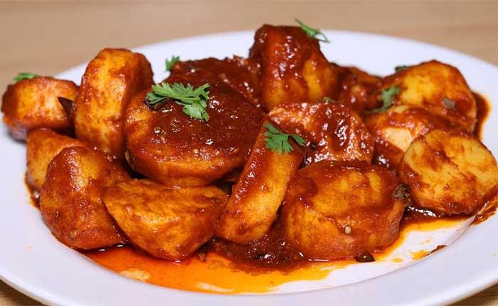 Chatpate Laal Aloo Recipe