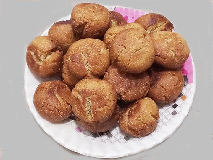 इस बार बनाएं ओडिशा के फेमस कुरकुरे व खस्ता गुलगुले Gulgula Recipe