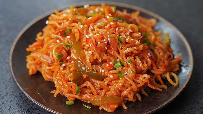 hot garlic chilli maggi