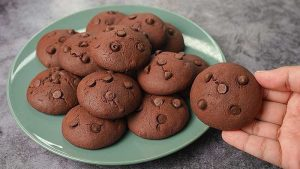 overloaded chocolate cookies